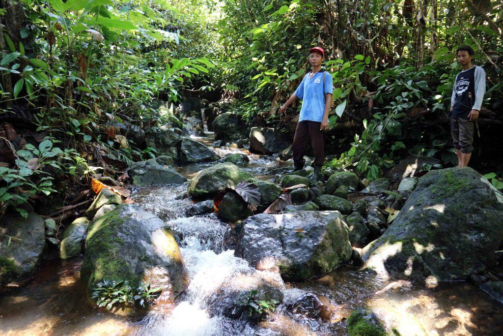 Sumber air baku untuk air kemasan Desa Tanjung