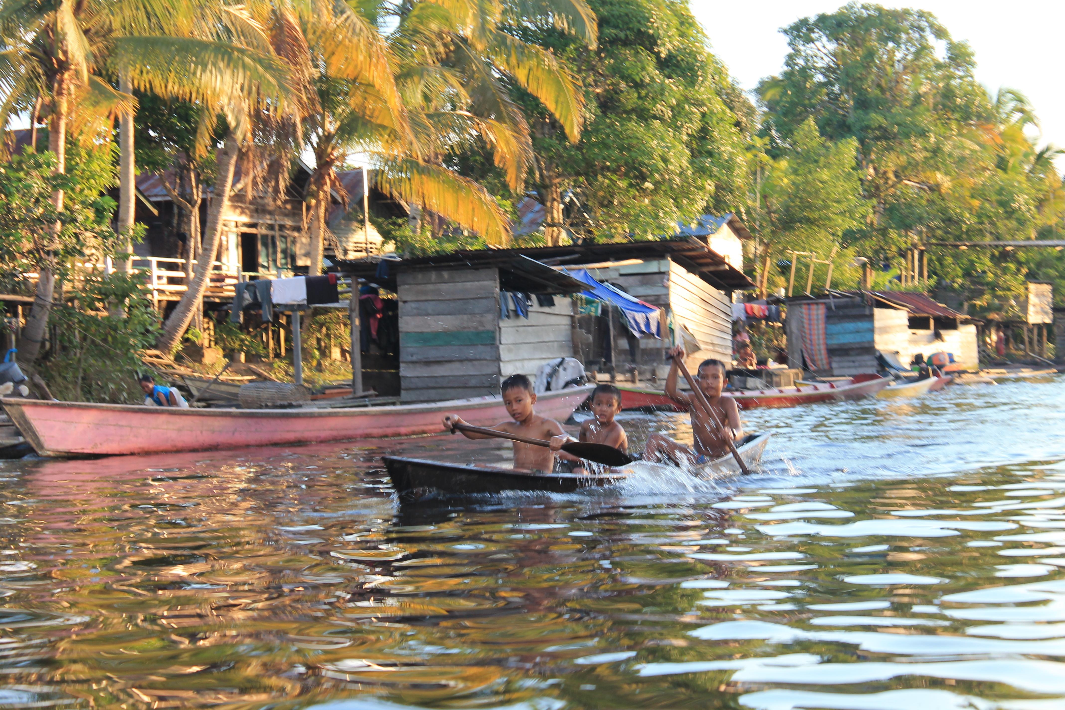 Mengenal Sepak-terjang PRCF di Nanga Lauk Kapuas Hulu