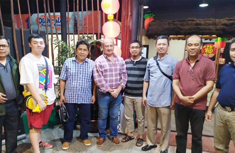 Makan Malam Sambil Mendengarkan Progress Program PRCF di Nanga Lauk