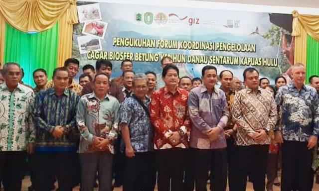 Pengukuhan Forum Komunikasi Koordinasi Pengelolaan Cagar Biosfer Betung Karihun dan Sentarum