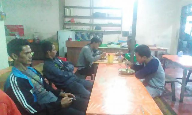 Peserta smart patrol sarapan pagi begitu tiba di Pontianak
