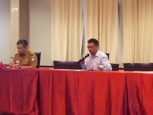 Imanul Huda perwakilan PRCF Indonesia saat mengikuti meeting Pokja REDD+ Kalbar