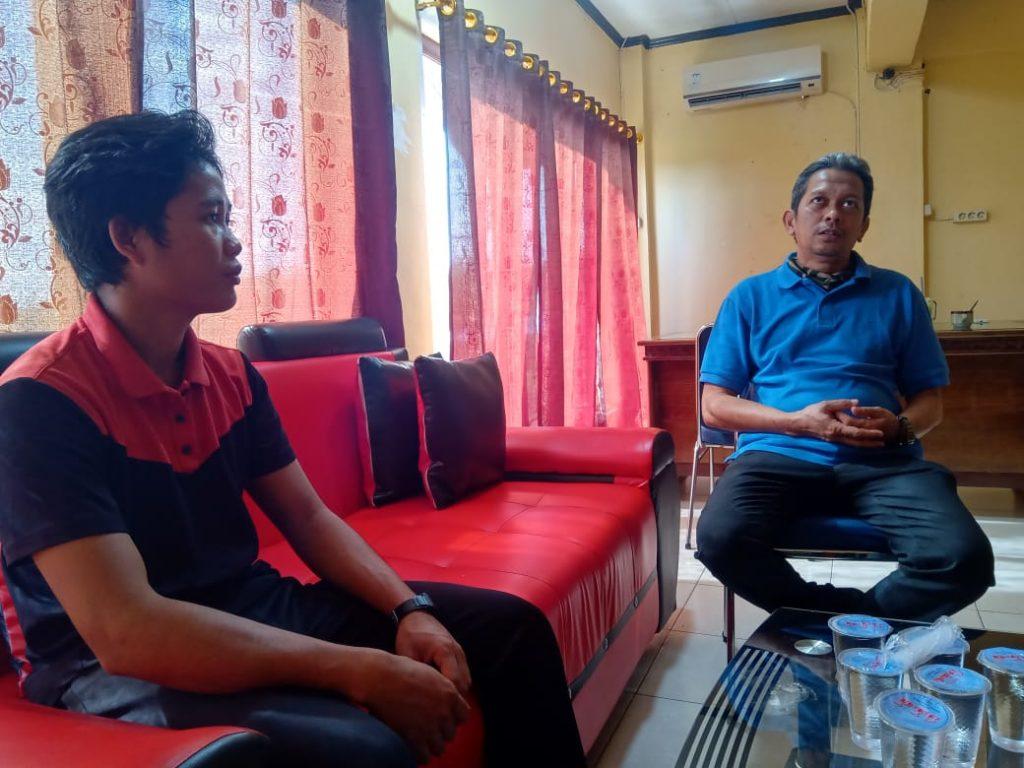 Arsyad, Sekretaris LPHD Lauk Bersatu saat audiensi dengan Kepala KPH Kapuas Hulu Utara, Mardiansyah