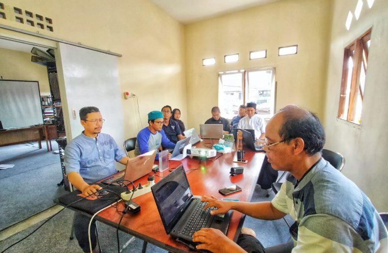 Rapat Bulanan di Tahun Pertama PRCF Indonesia