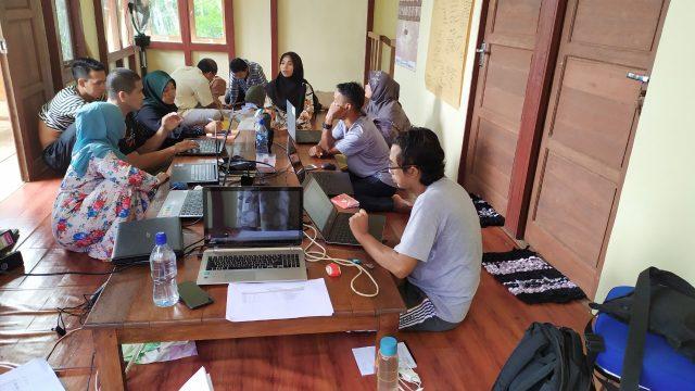 Good coorporate governance sedang diajarkan oleh PRCF Indonesia ke KUPS