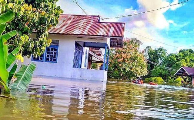 Banjir Melanda Kota Putussibau Kapuas Hulu