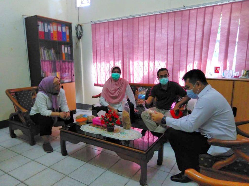 Promosi produk KUPS Ikan dilakukan PRCF Indonesia ke Dinas LHK Kalbar