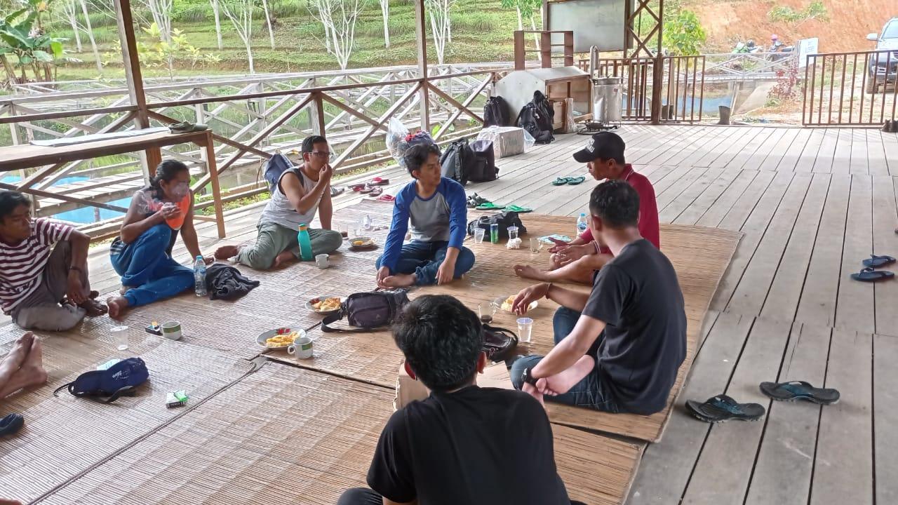 Suasana belajar agroforestry di Pondok Belajar Hutan Desa