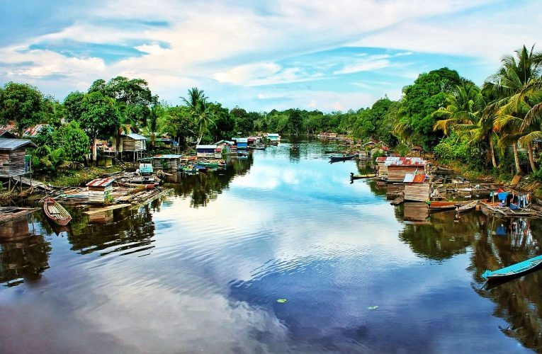 Kunjungan Belajar Masyarakat Adat Sungai Utik ke Nanga Lauk