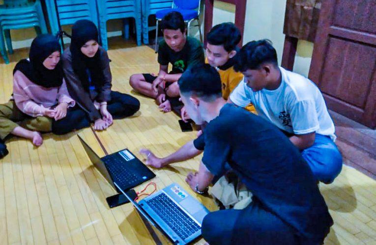 Siswa SD dan SMP Belajar Komputer di Kantor LPHD