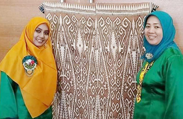 Tenun Ikat Tampil Elegan di Festival of Art & Culture