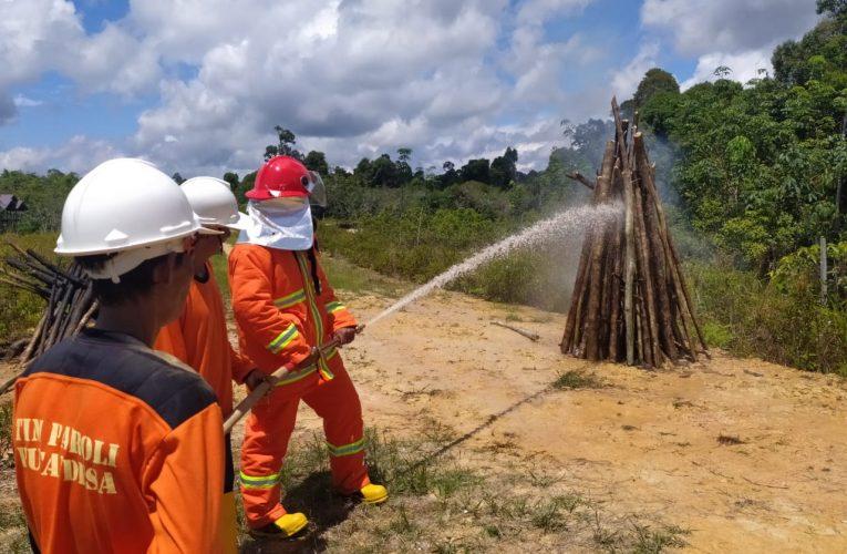 Pelatihan Pemadaman Kebakaran untuk LPHD