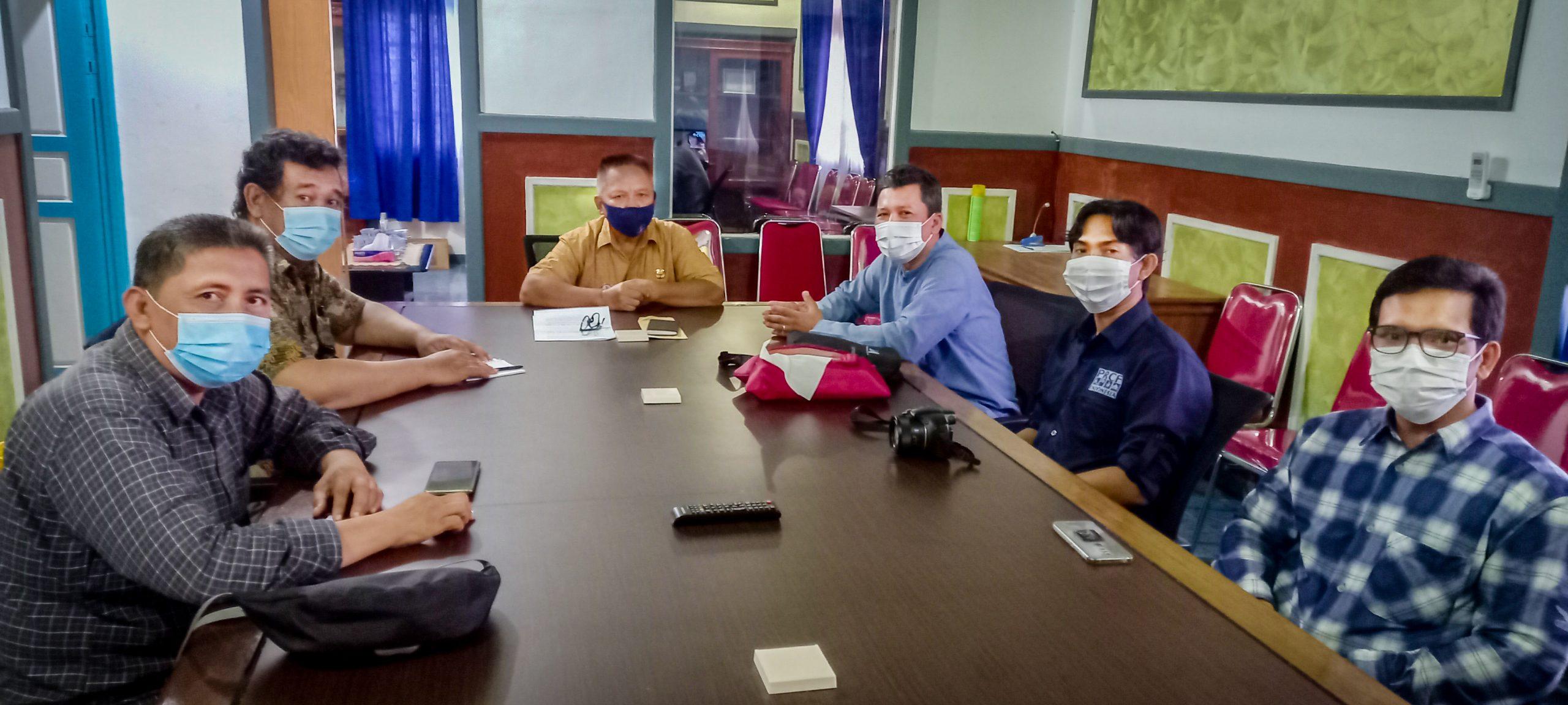 Bappeda Kapuas Hulu saat menerima rombongan PRCF Indonesia